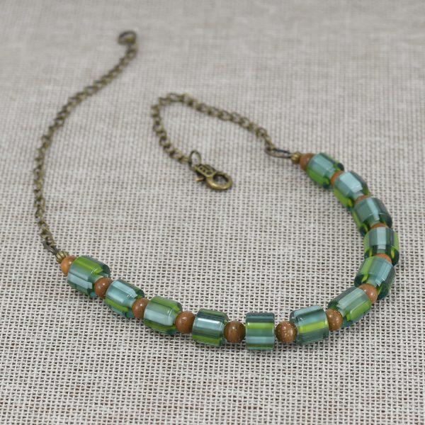 Collar de vidrio soplado verde