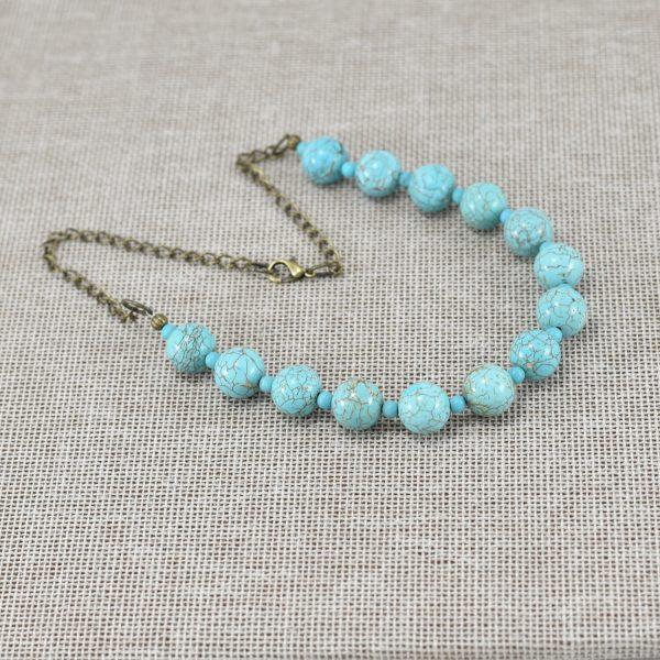 Collar de magnesita perlas color turquesa