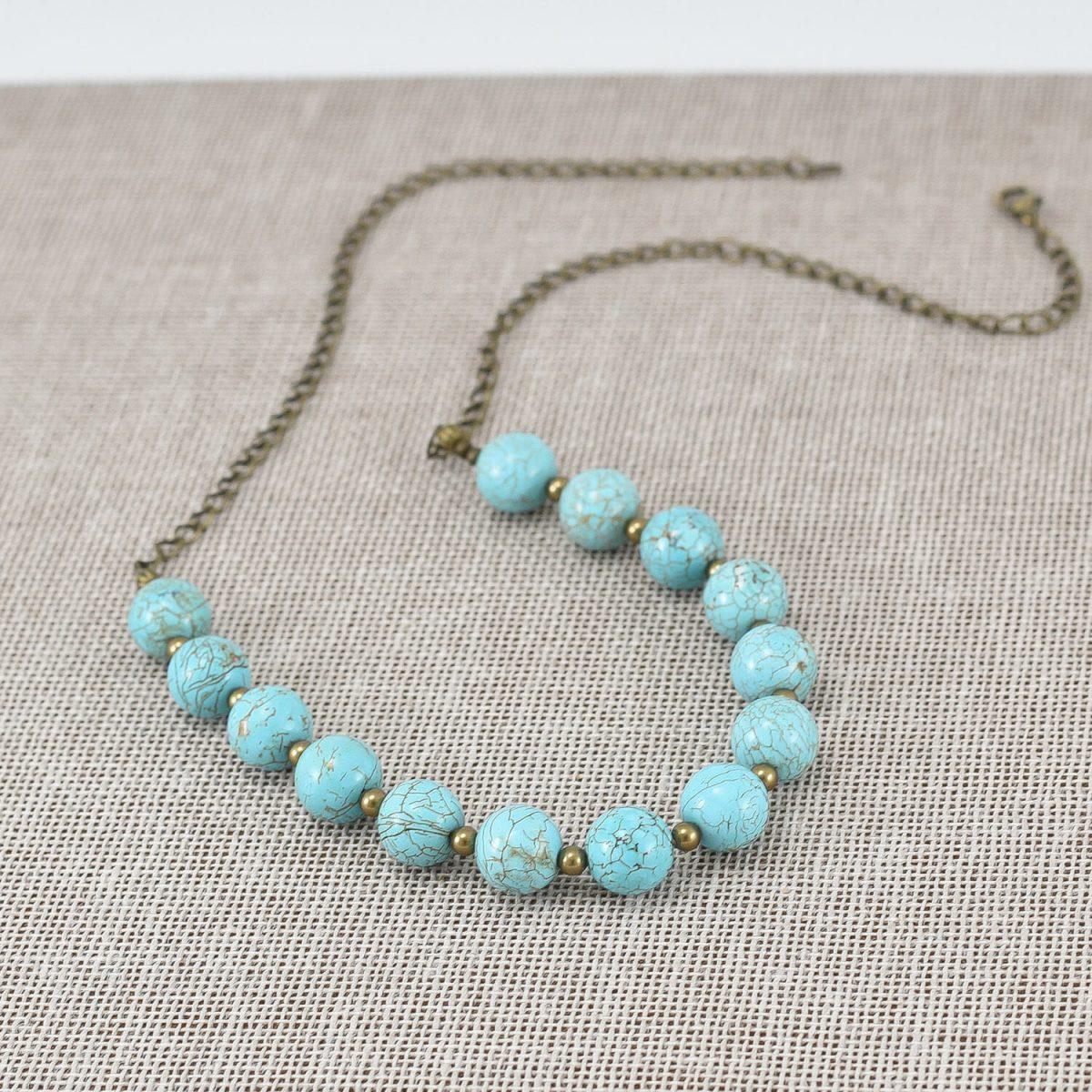 Collar de magnesita y perlas color bronce
