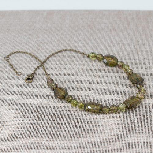 Collar de vidrio acrílico jaspeado verde jaspeado
