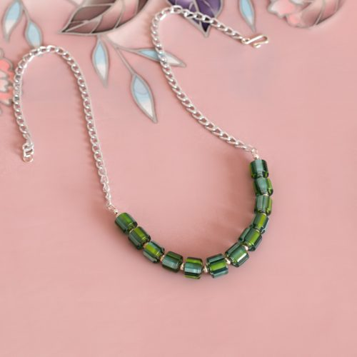 Collar de vidrio artesanal verde