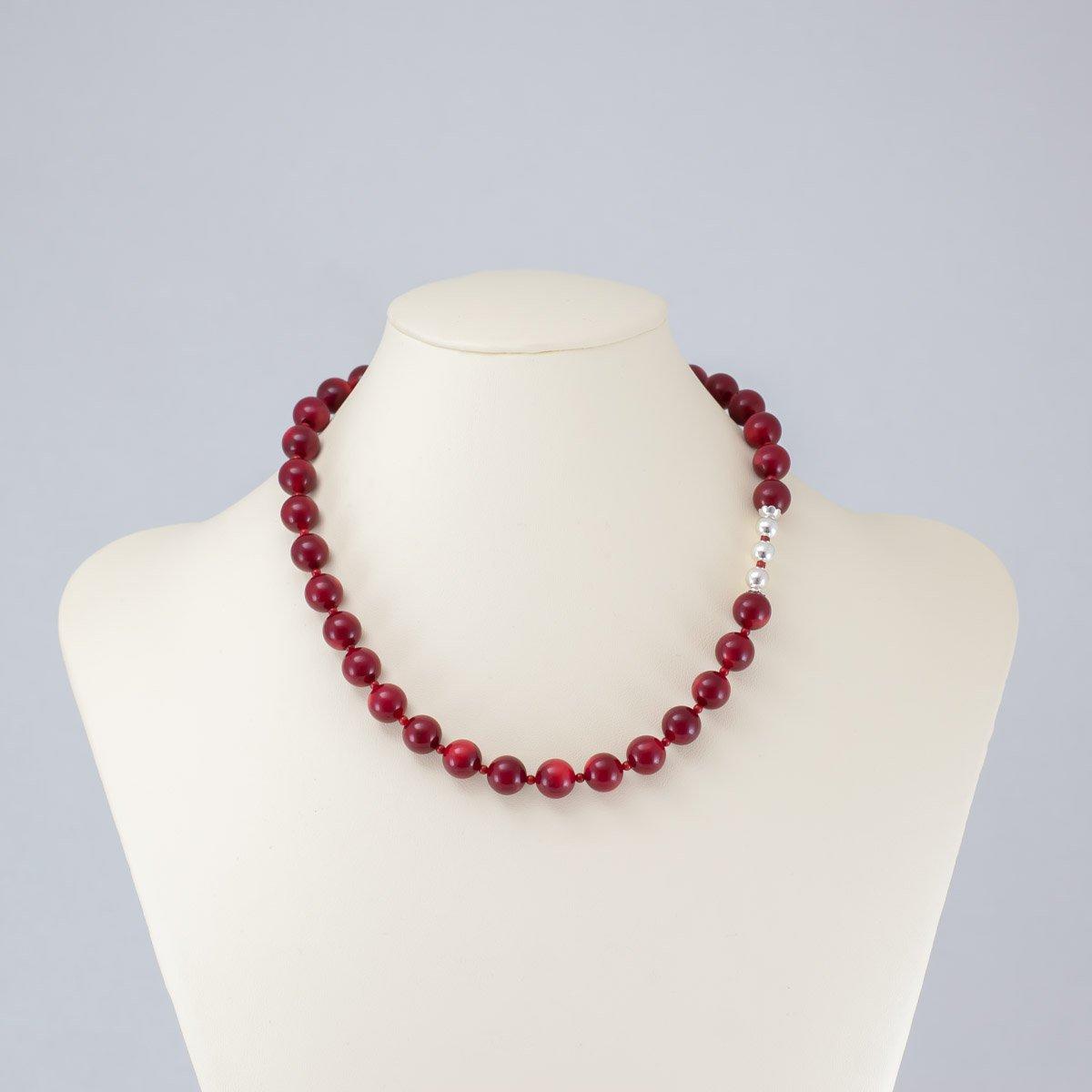 Collar de coral y jade rojo