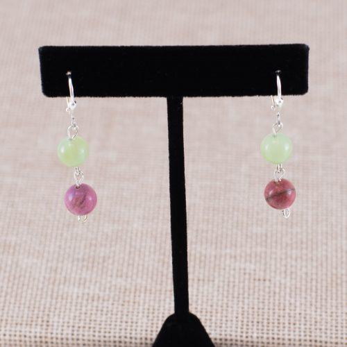 Aretes verde y rosado de rodonita y jade
