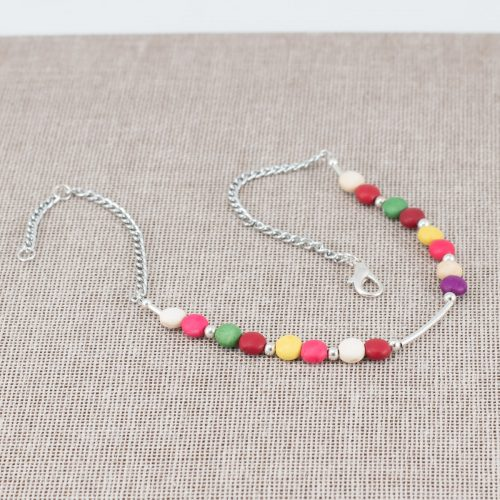 Collar de howlita multicolor