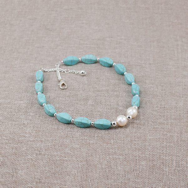 Collar de magnesita turquesa y perlas