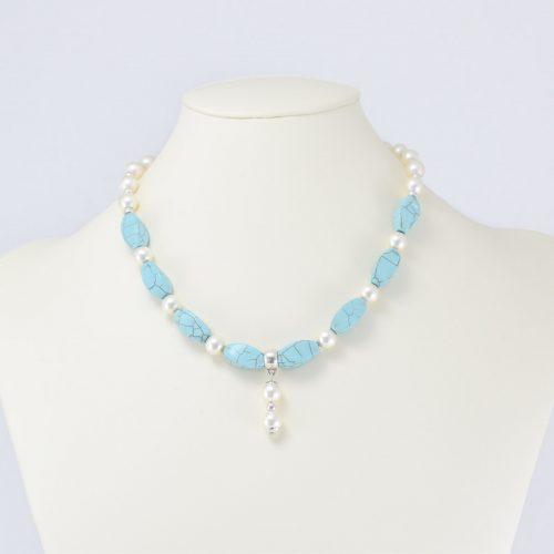 Collar de perlas Swarovski color crema y magnesita turquesa
