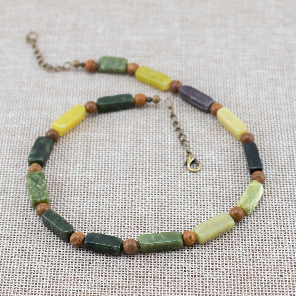Collar de serpentina verde y jaspe piel de tigre