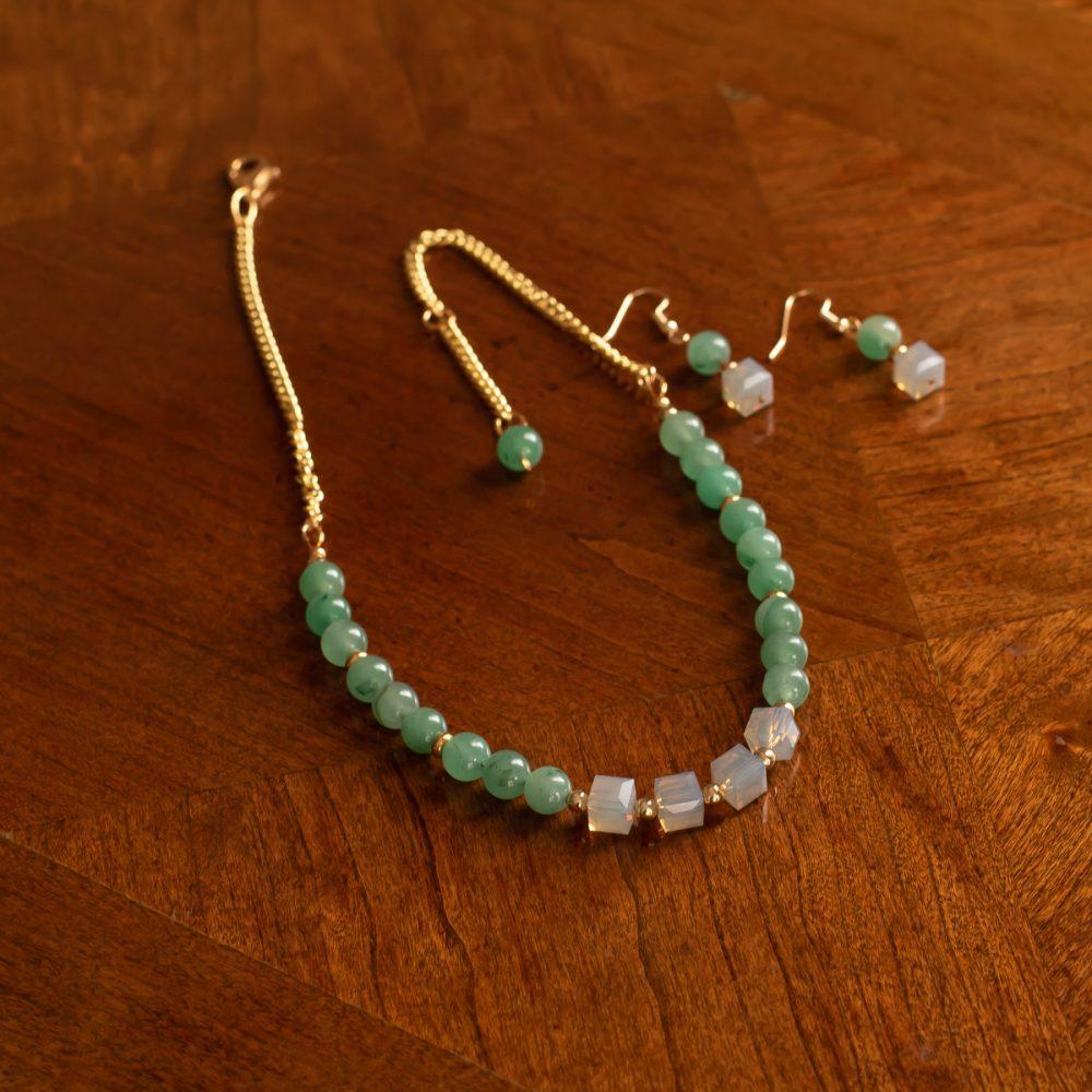 Collar de jade y cristales Swarovski