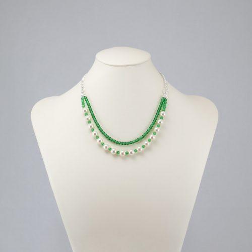 Collar de perlas y cuentas checas verdes
