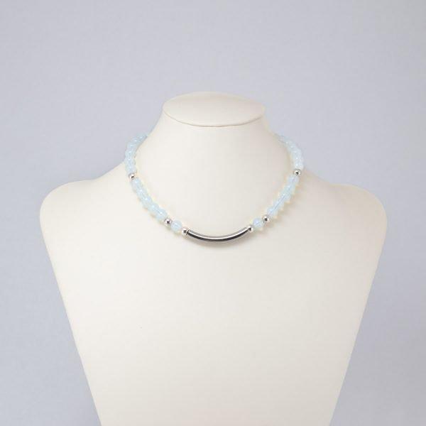 Collar de cristal artesanal celeste